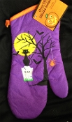 Halloween Theme Spooky OVEN MITT POT HOLDER GLOVE-Kitchen Bathroom Dining Bar Haunted House Prop Decoration. Purple Black Orange color printed design of dead tree, black cat, vampire bats, wicked spider, haunted yellow moon, RIP tombstone